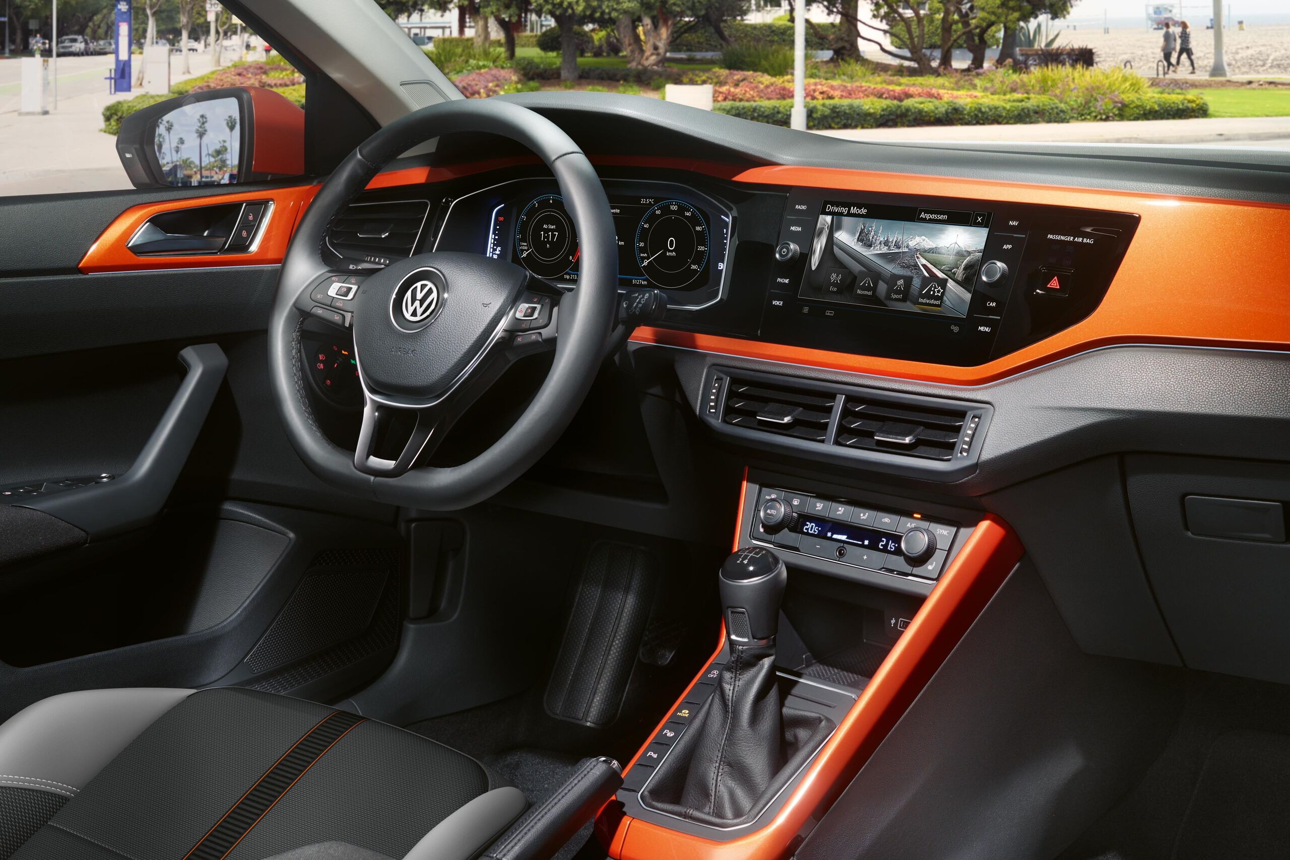 vw volkswagen polo orange interieur